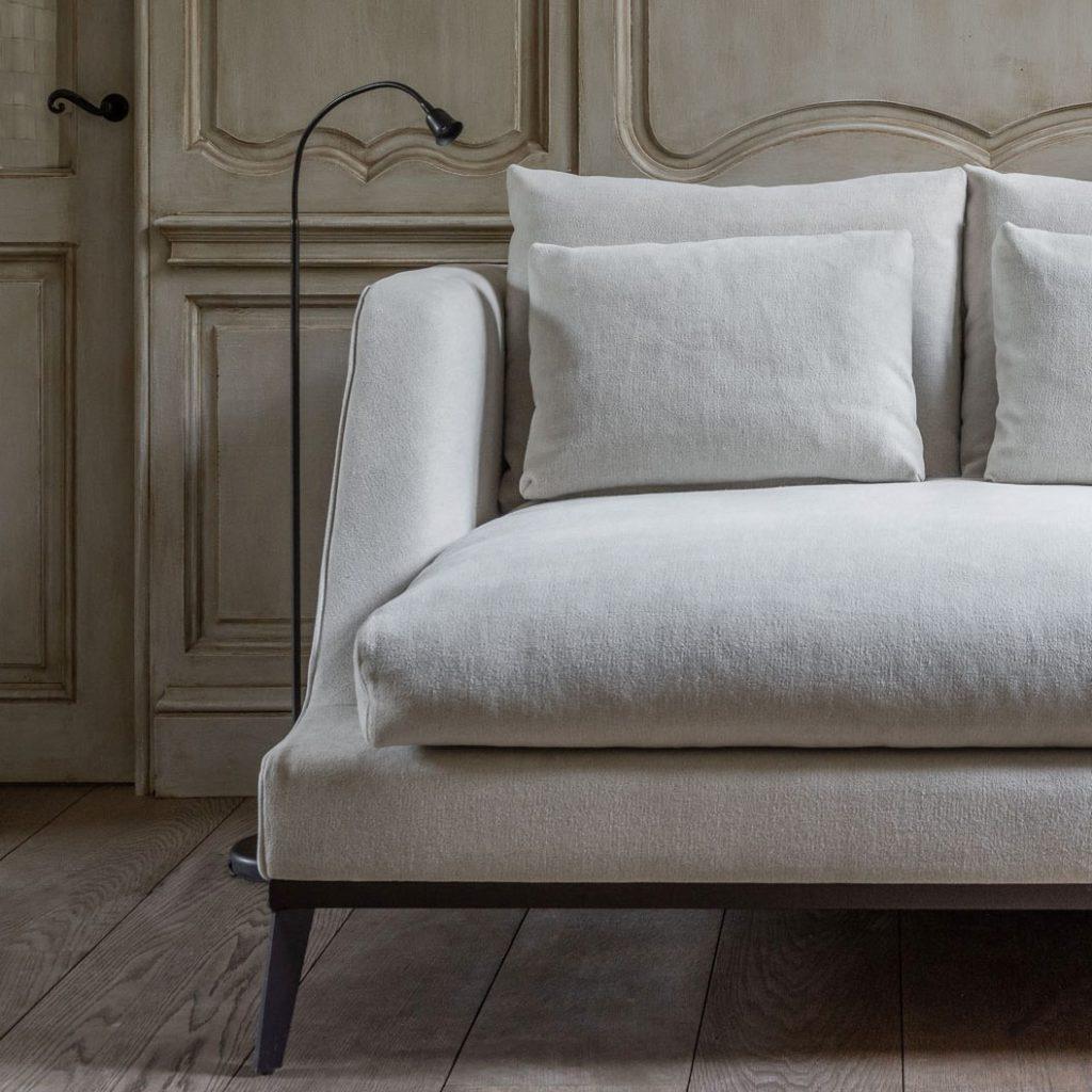 Belgian style furniture and interior design.#belgianpearls #belgianstyle #belgiandesign #europeancountry #belgianlinen #belgianfurniture