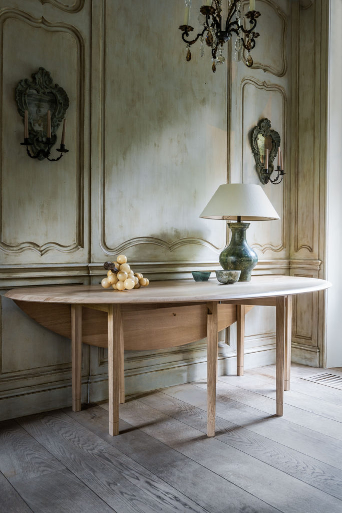 DIANE TABLE - Belgian Pearls Home Collection. Belgian style furniture and interior design.#belgianpearls #belgianstyle #belgiandesign #europeancountry #belgianlinen #belgianfurniture