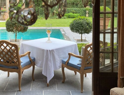 Summer outdoor dining nook & asking for a favour